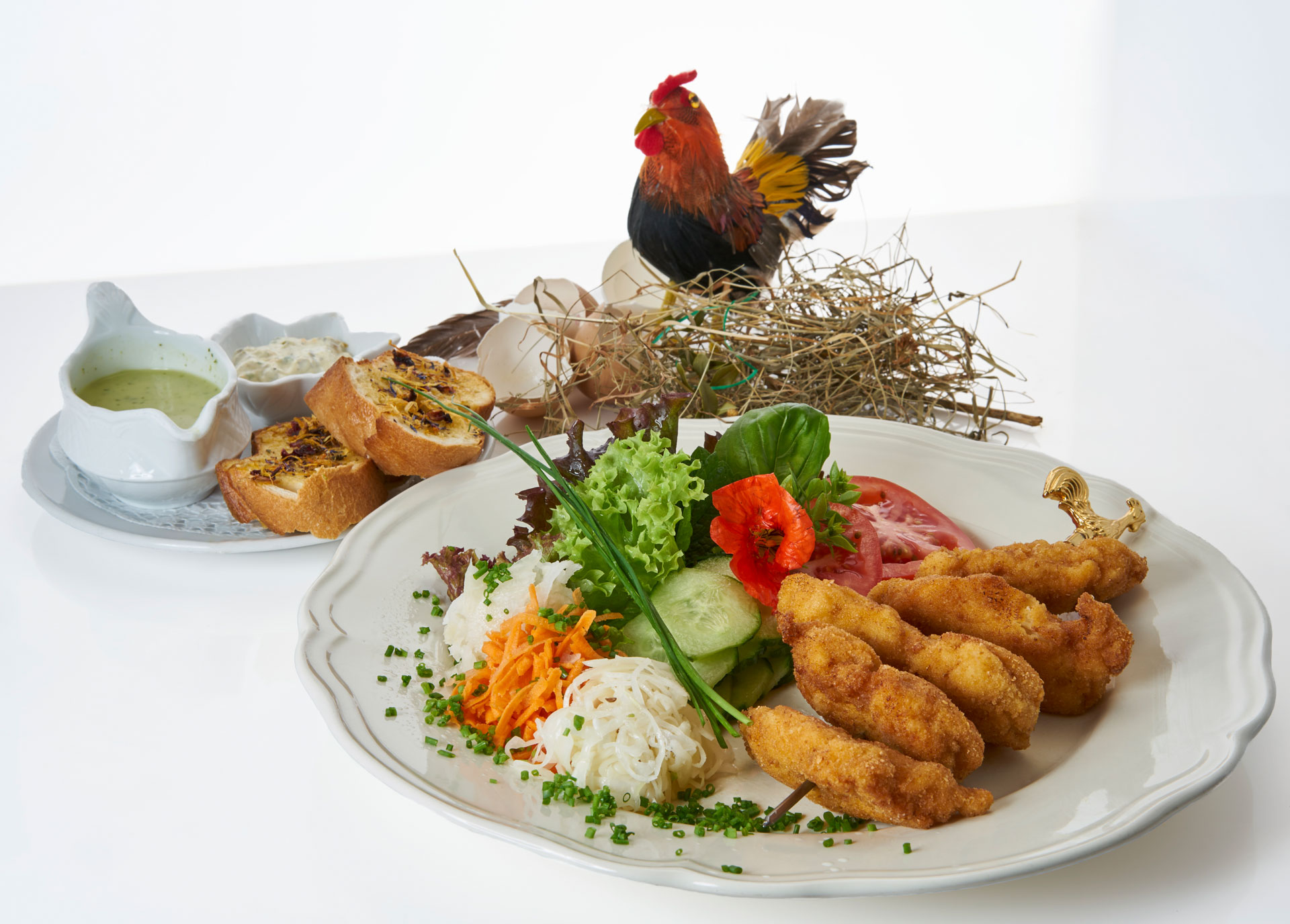 Backhendl im Salatnest